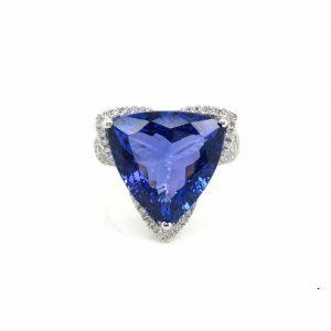 18ct white gold 8.09ct trilliant cut tanzanite and diamond ring