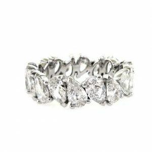 18ct white gold pear shape diamond ring