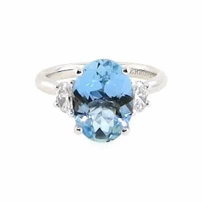 18ct white gold 3.01ct oval aquamarine and diamond ring