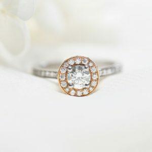 18ct white and rose gold 0.47ct G VS round diamond ring