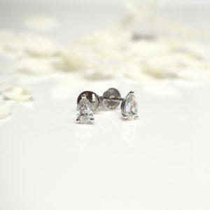 18ct white gold pear shape diamond stud earrings