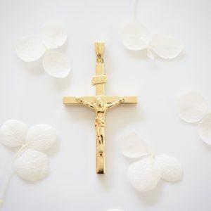 18ct yellow gold crucifix pendant