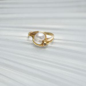 18ct Yellow Gold keshi Pearl & cognac ring