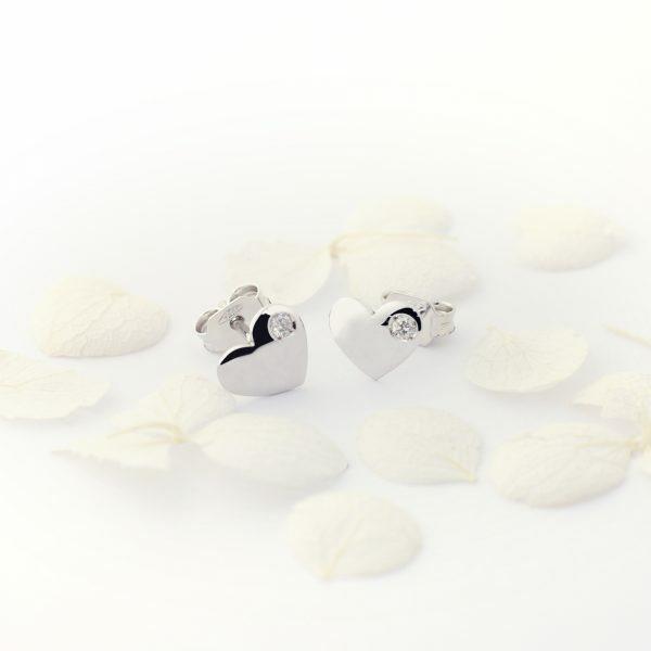 18ct white gold diamond heart stud earrings